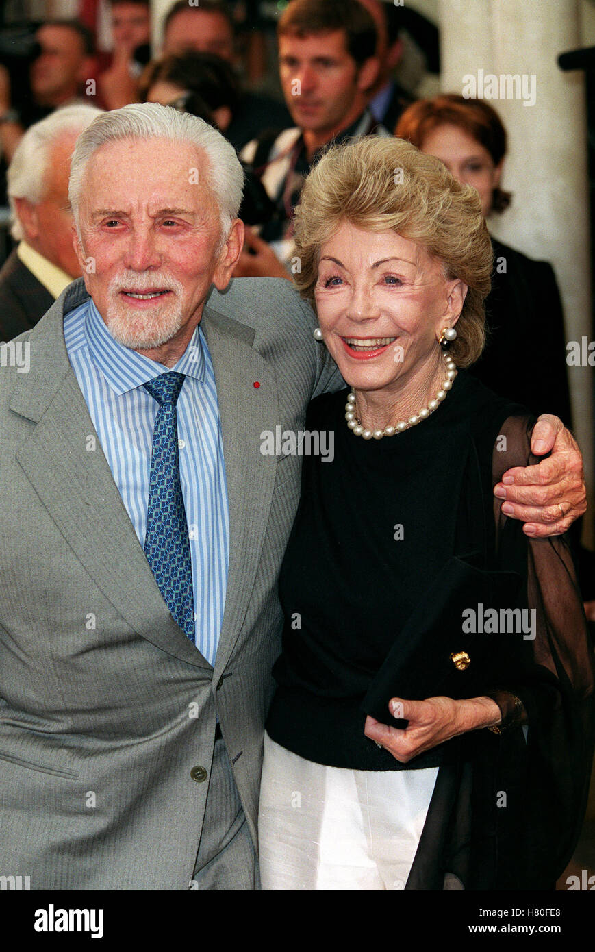 KIRK DOUGLAS & ANNE BUYDENS 12...