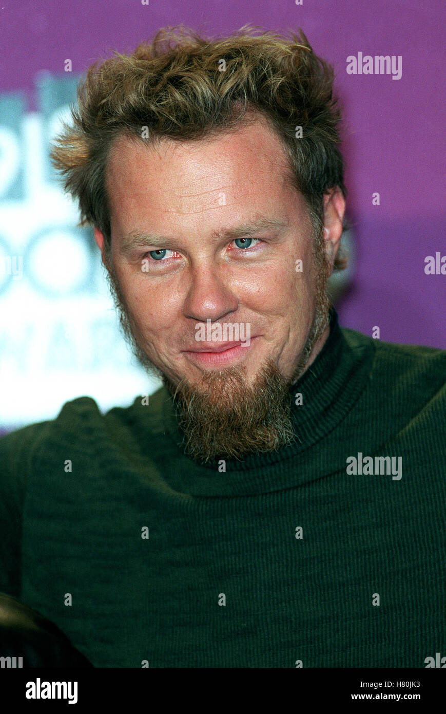 JAMES HETFIELD 13 December 1999 Stock Photo: 125404471 - Alamy