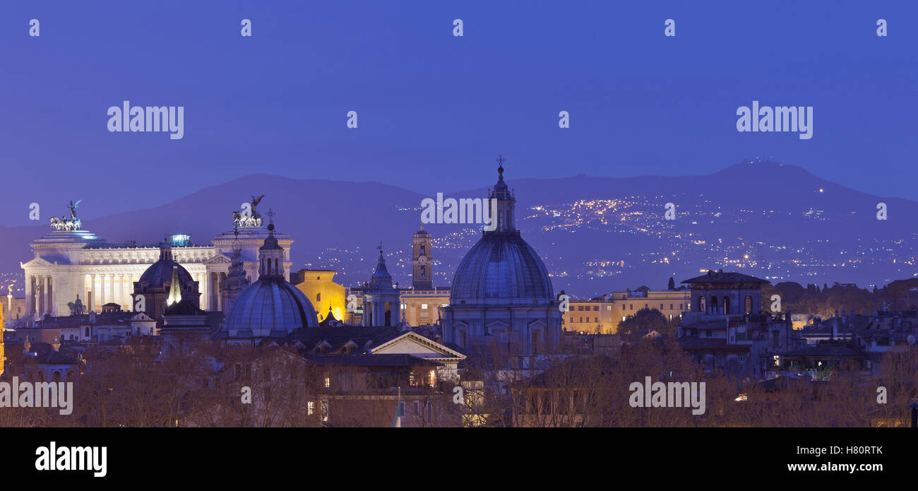Rome. View of skyline cityscape rooftop panorama: Vittorio Emanuele, Piazza Venezia - Stock Image