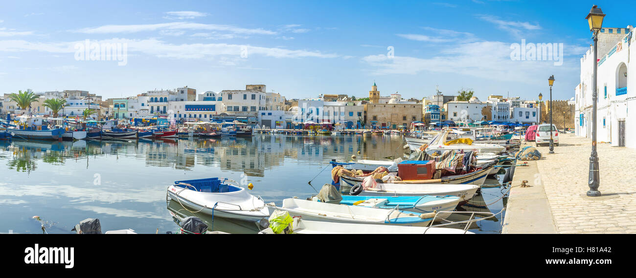 The town boasts the big fishing port surrounding by many cafes and restaurants and two citadels - Kashbah and Ksibah - Stock Image