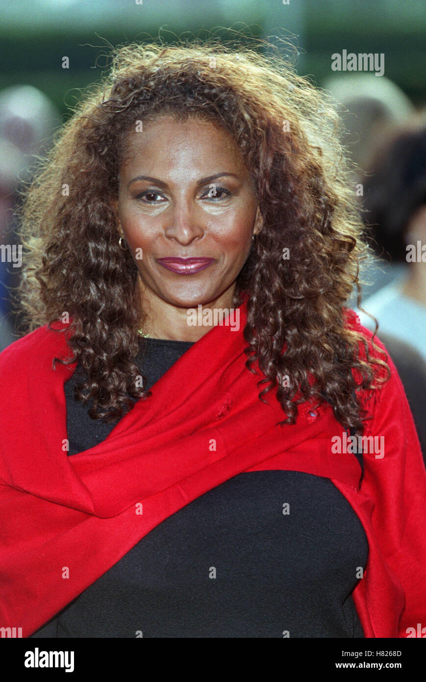 PAM GRIER LOS ANGELES USA 02 February 2000 - Stock Image