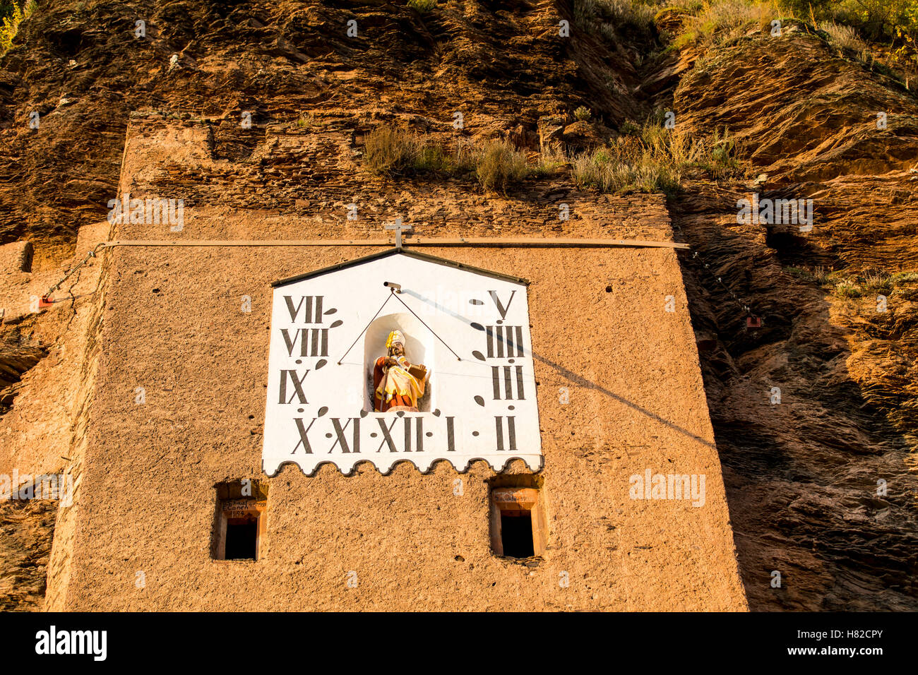 Moselle Valley region, Germany, Sundial in a vineyard, - Stock Image