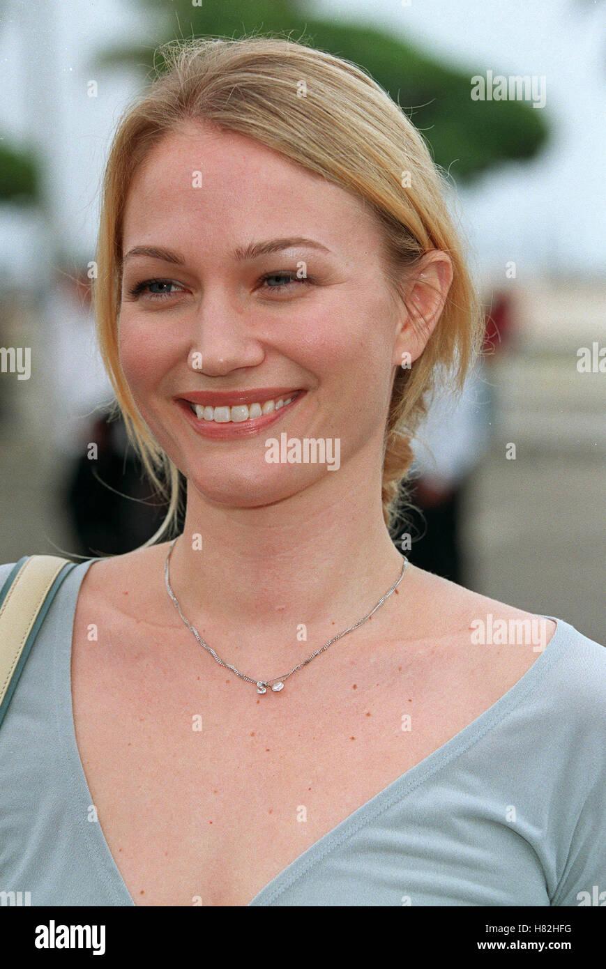 Sarah Wynter Stock Photos & Sarah Wynter Stock Images - Page 2 - Alamy