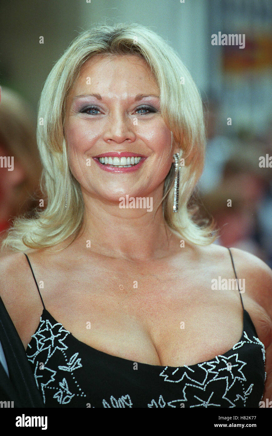 Amanda Redman Nude Photos 54