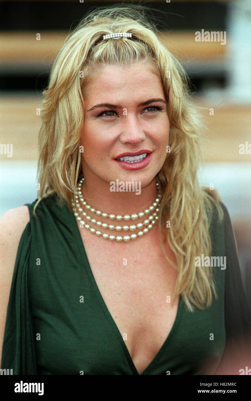 KRISTY SWANSON CANNES FILM FESTIVAL CANNES FRANCE EUROPE 10 May 2001 - Stock Image
