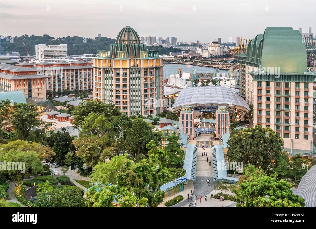 View from the Merlion Statue across the Sentosa Island Resort, Singapore. Aussicht vom Merlion ueber Sentosa, Singapur - Stock Image