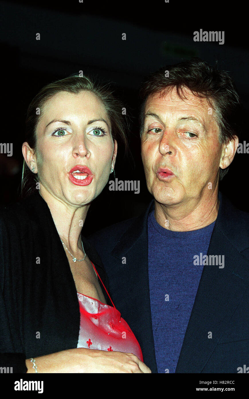 PAUL MCCARTNEY HEATHER MILLS TUESDAY FILM PREMIERE VENICE FESTIVAL 2001 ITALY 04 September