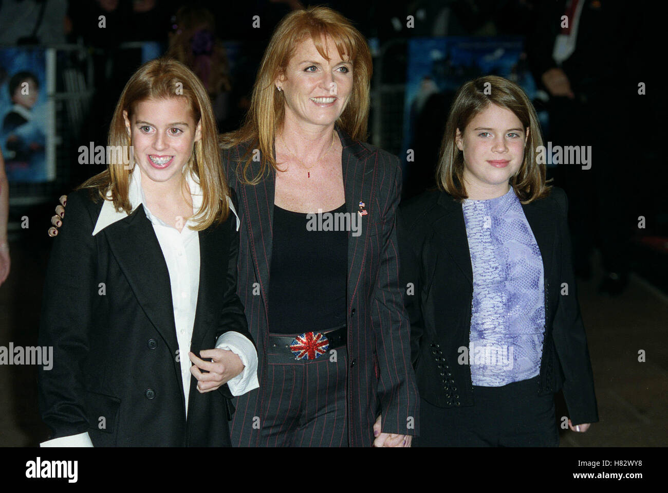 SARAH FERGUSON WITH PRINCESSES WORLD PREMIER 'HARRY POTTER' LEICESTER SQ LONDON ENGLAND 04 November 2001 - Stock Image