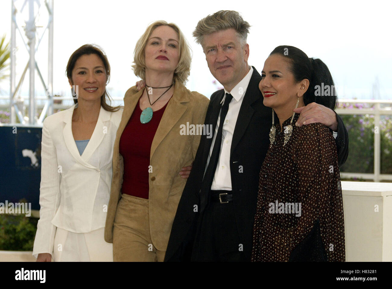 M YEOH S STONE D LYNCH C HAKIM CANNES FILM FESTIVAL CANNES FILM FESTIVAL CANNES FRANCE 15 May 2002 - Stock Image