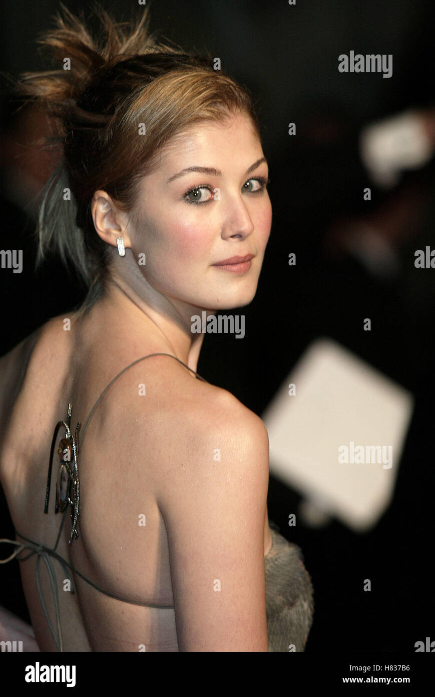 Rosamund Pike Die Another Day James Bond Premiere London Royal