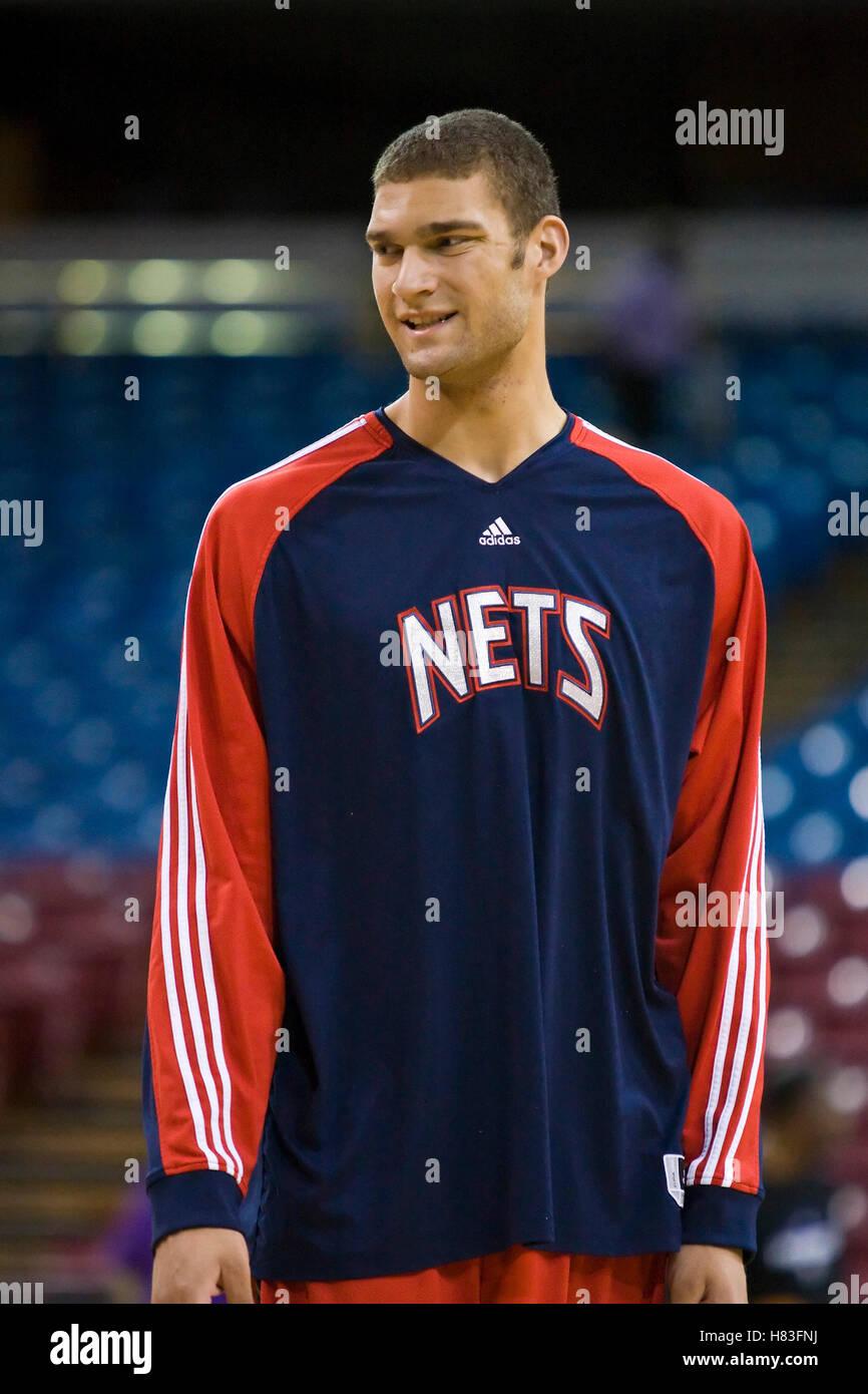 new style bb4c3 61279 New Nets Center Brook Lopez Stock Photos & New Nets Center ...