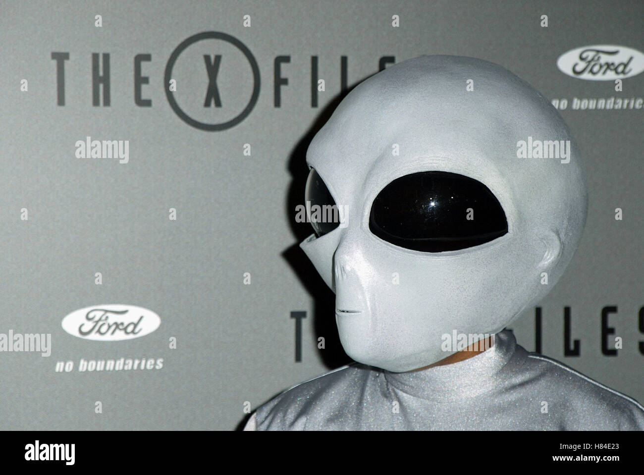 ALIEN X-FILES FINALE WARP PARTY HOUSE OF BLUES HOLLYWOOD LOS ANGELES USA 27 April 2002 - Stock Image