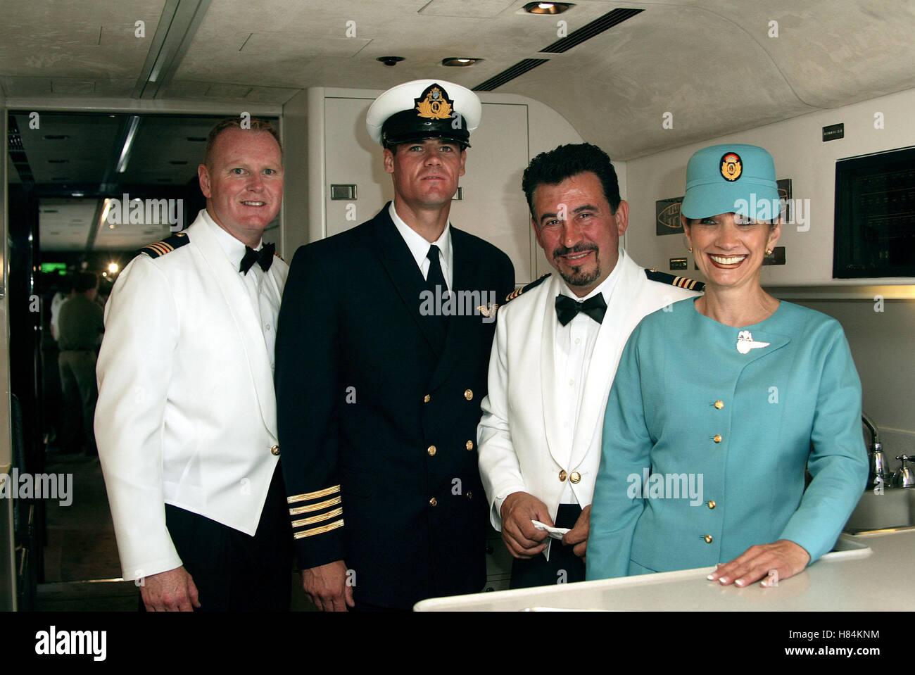 JOHN TRAVOLTA'S FLIGHT CREW QANTAS AMMASSADOR AT LARGE LOS ANGELES AIRPORT [LAX] LOS ANGELES USA 24 June 2002 - Stock Image