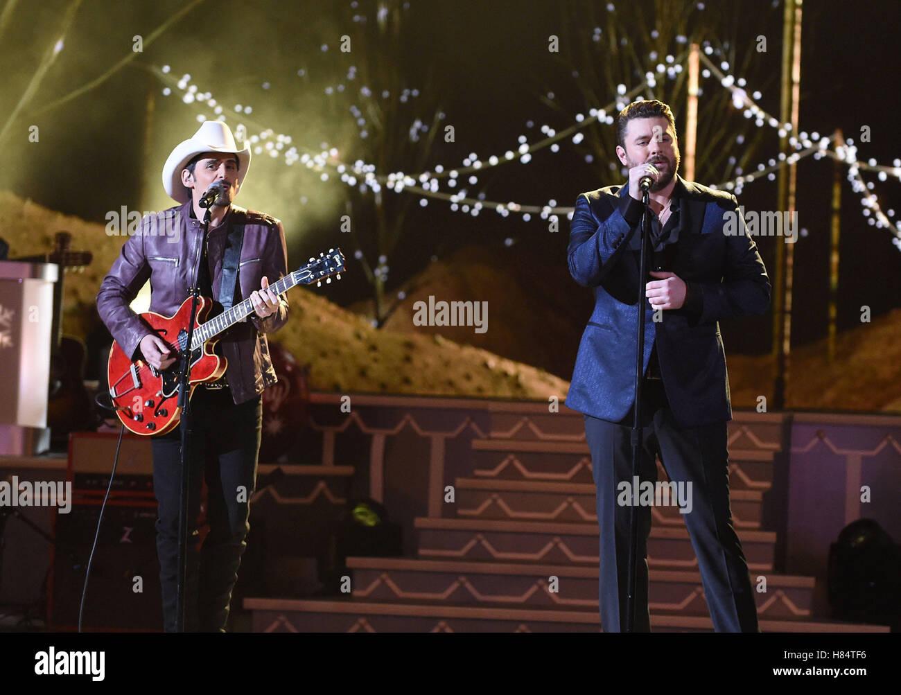 Brad Paisley Christmas.Nashville Tn Usa 9th Nov 2016 Brad Paisley Chris Young