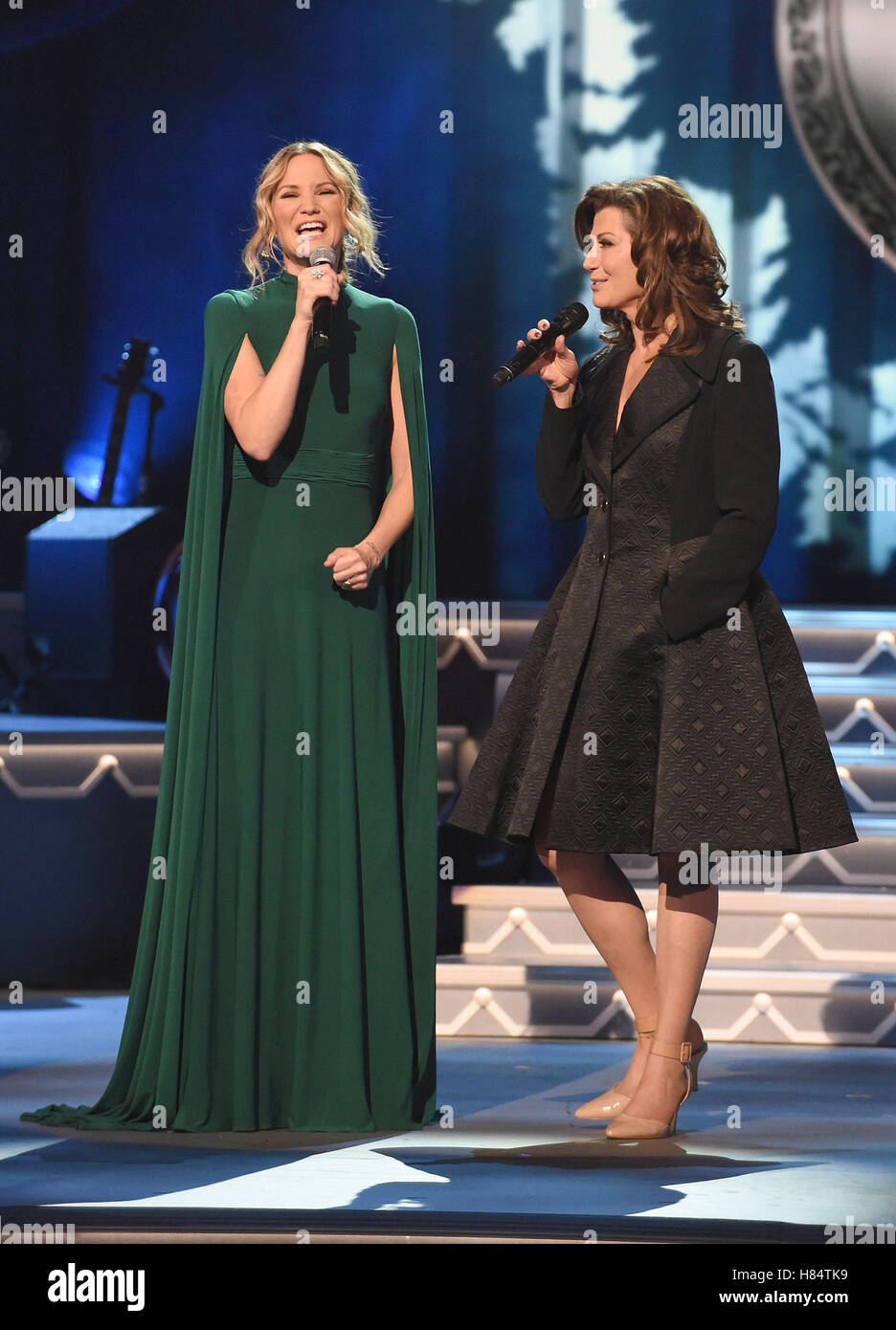 Nashville, TN, USA. 9th Nov, 2016. Jennifer Nettles, Amy Grant. 2016 ...