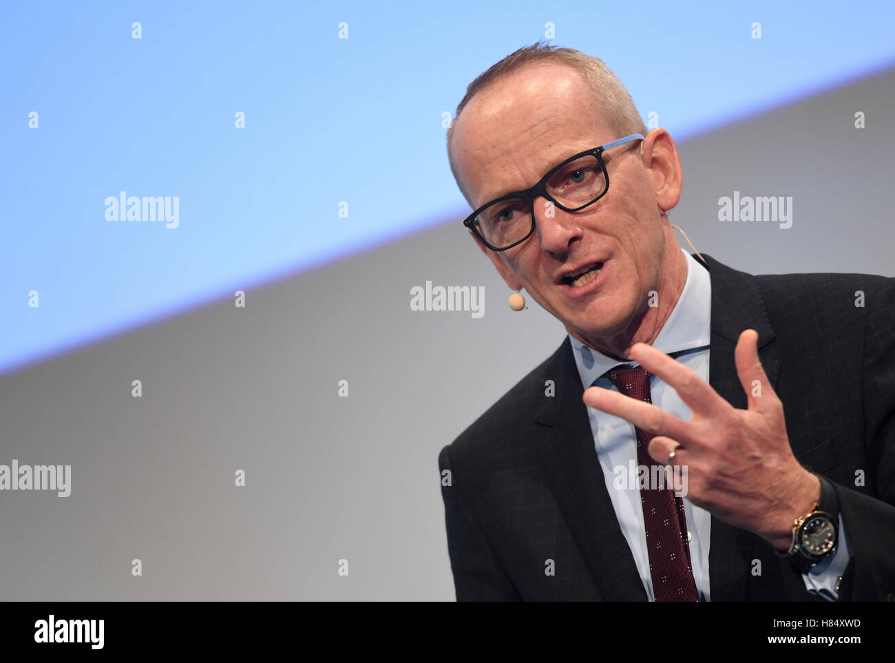 Munich, Germany. 9th Nov, 2016. Karl-Thomas Neumann, head of the directors of the Opel Group speaks at the 'car - Stock Image