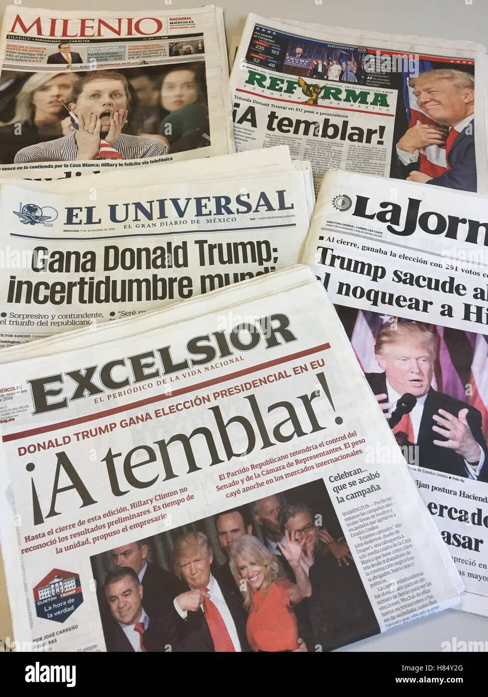 'The trembling effect', 'What a nightmare', 'Trump shock': Some of the headlines on mexican - Stock Image