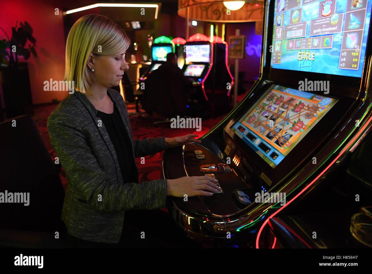 Star city casino poker room