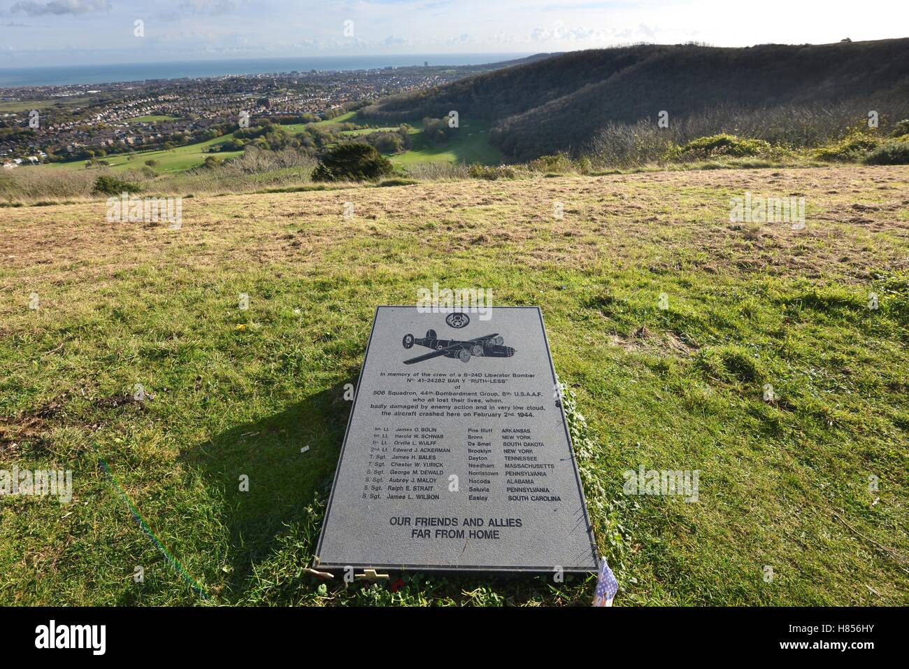 Eastbourne, UK. 10th November 2016. The day before Remembrance day the grave and memorial to American airmen  on - Stock Image