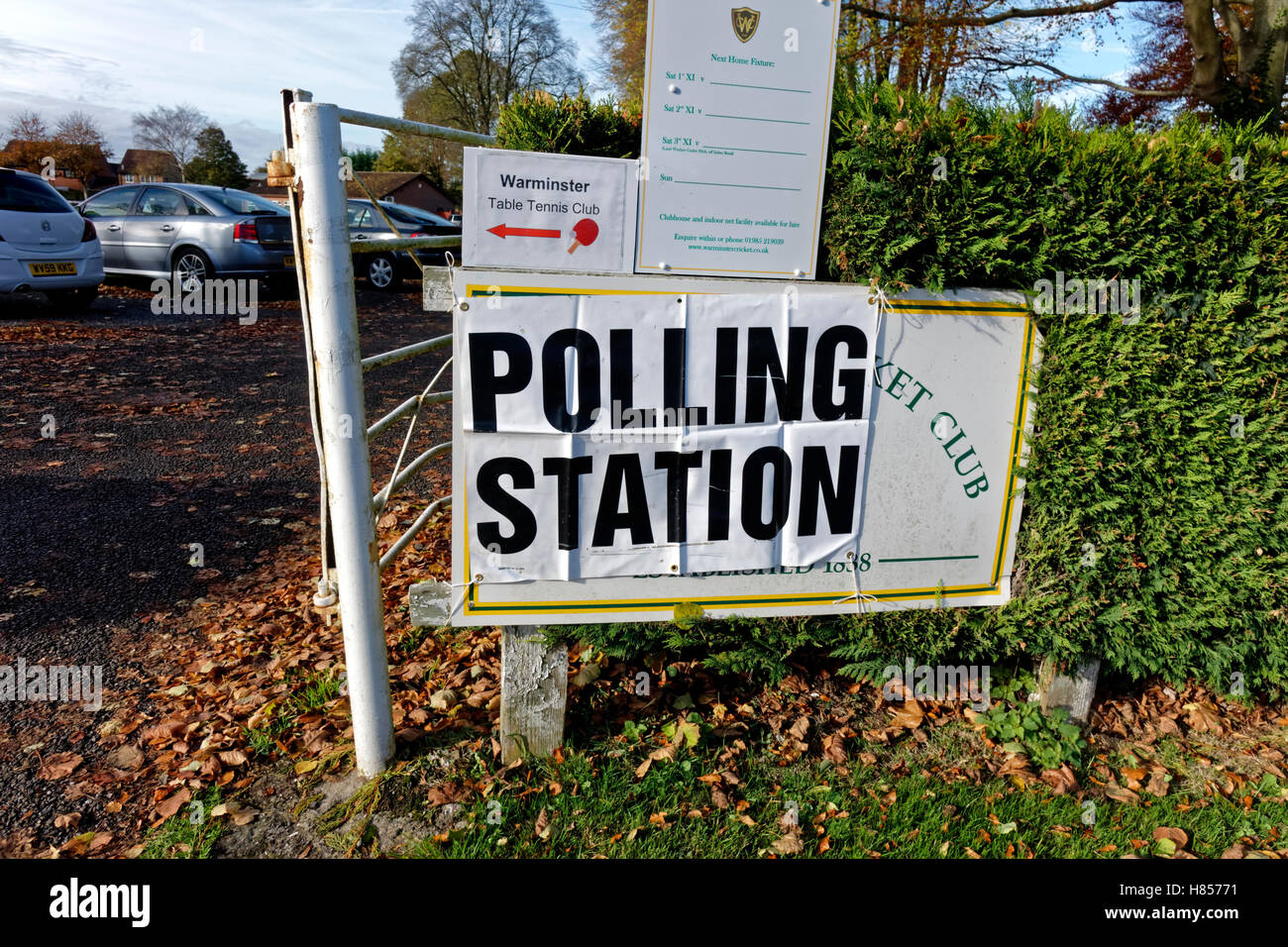 Warminster, Wiltshire, UK. 10th Nov 2016. The residents of the Wiltshire town of Warminster take to the polls for - Stock Image