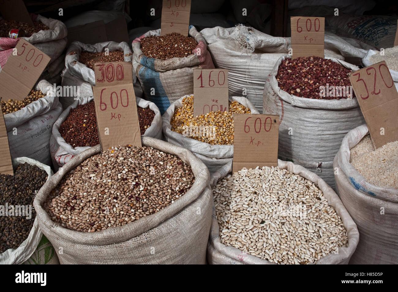 Basic products on sale ( Madagascar) - Stock Image