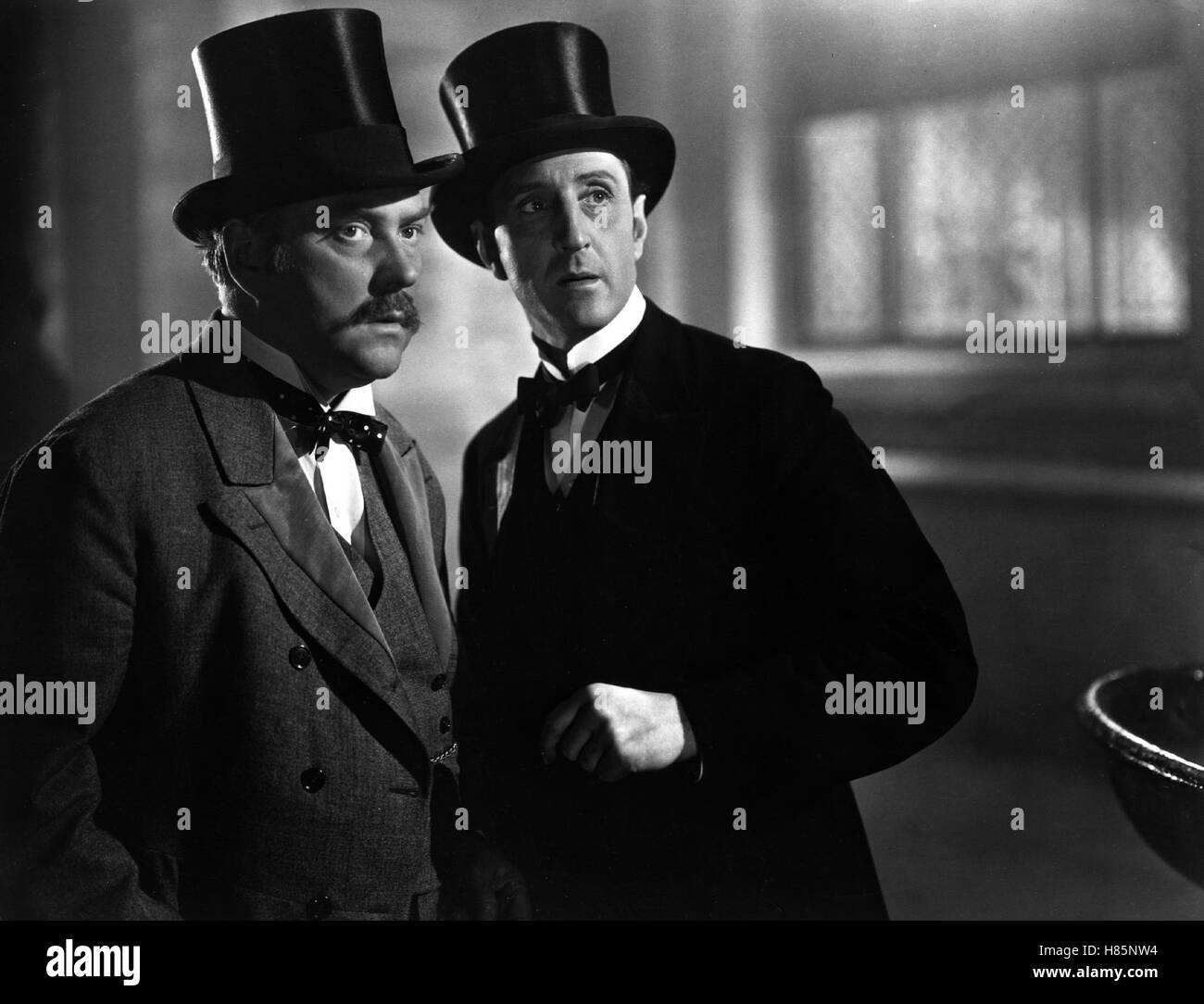 the hound of the baskervilles 1939 stock photos the hound of the baskervilles 1939 stock. Black Bedroom Furniture Sets. Home Design Ideas