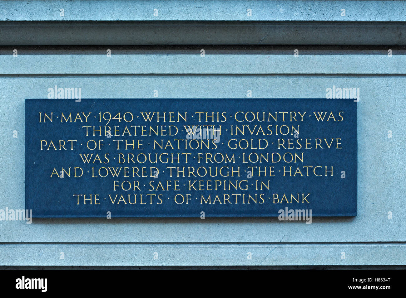 Plaque on the wall of Martins Bank Liverpool where the UK Gold reserve was stored during second world war - Stock Image