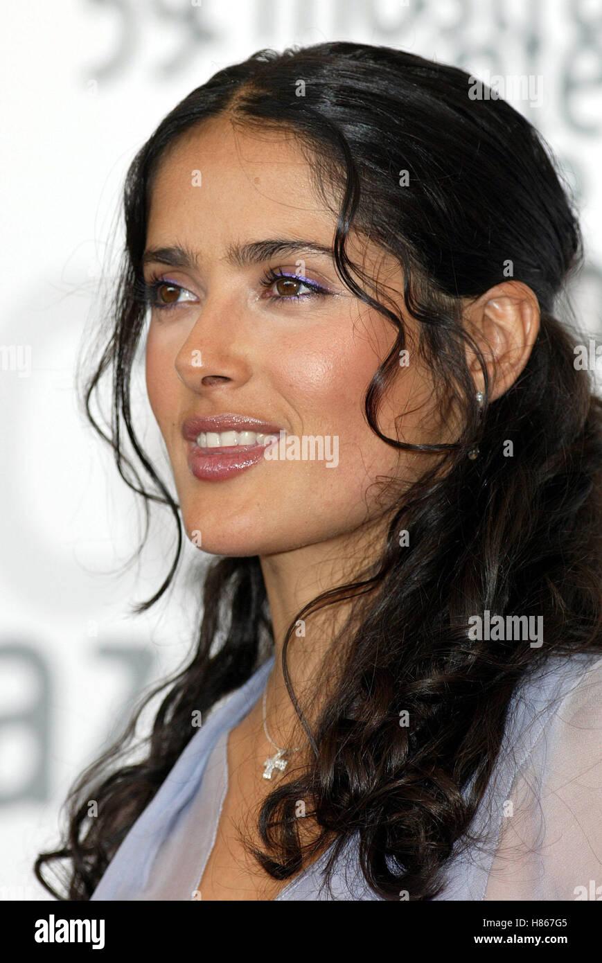 SALMA HAYEK FRIDA PHOTOCALL VENICE FEST VENICE FILM FESTIVAL VENICE ITALY 29 August 2002 - Stock Image