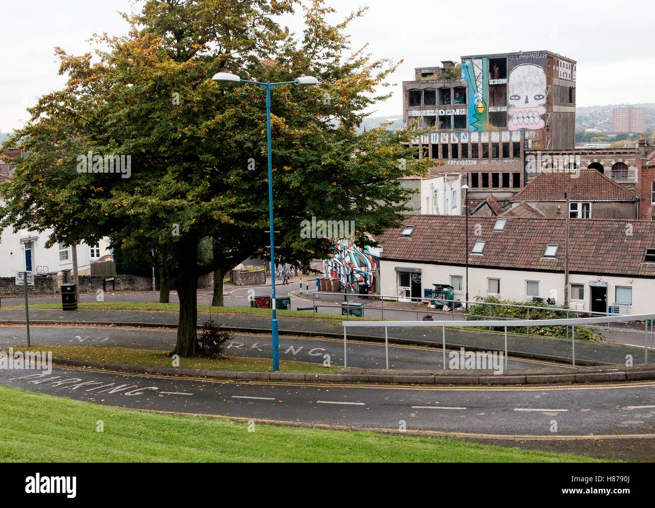 View towards Westmoreland House, Stokes Croft, Bristol from the Dove Street estate - Stock Image