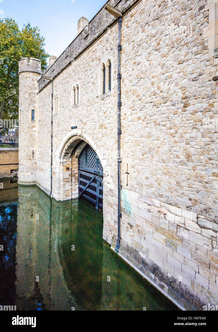 Traitor's Gate is the entrance to the Tower of London from the Thames and was the customary entrance for prisoners - Stock Image