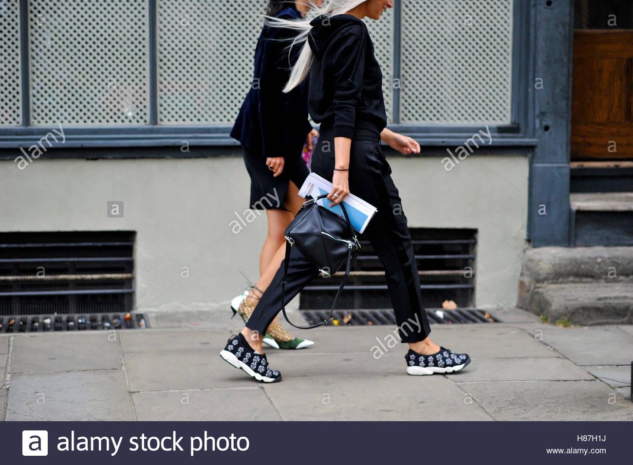 Sarah Harris, Old Spitalfields Market London Fashion Week SS17 FW16 Street Style September 17 2016. - Stock Image