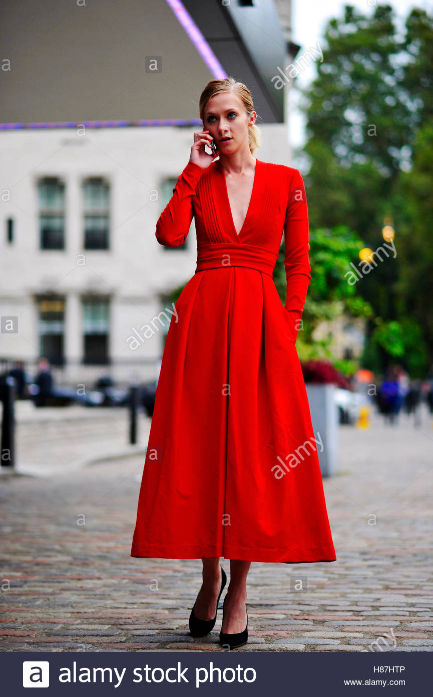 Portia Freeman Queen Elizabeth Center Westminster, London Fashion Week SS17 FW16 Street Style September 18 2016. - Stock Image