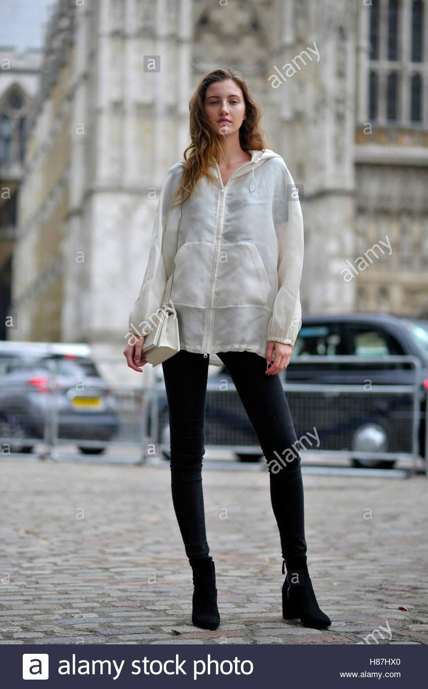 Model Emma Harris London Fashion Week SS17 FW16 Street Style September 18 2016. Stock Photo