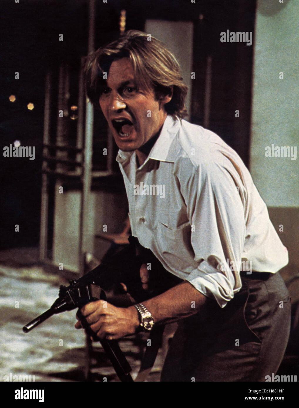 Unternehmen Entebbe, (VICTORY AT ENTEBBE) USA 1976, Regie: Marvin Chomsky, HELMUT BERGER, Stichwort: Maschinengewehr, - Stock Image