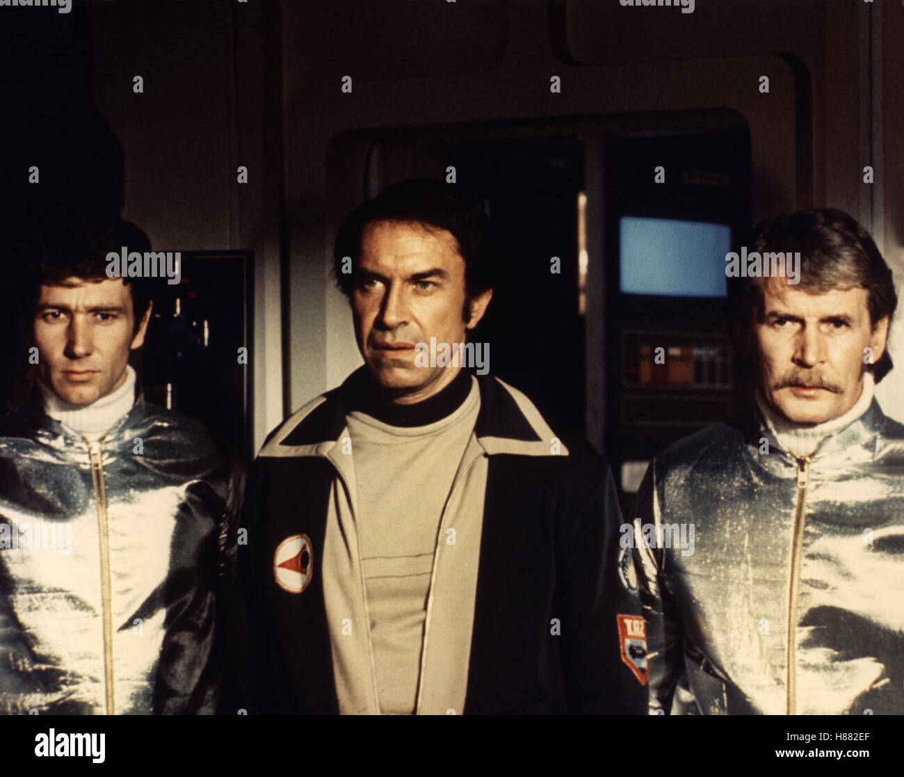 Angriff auf Alpha 1, (DESTINATION MOONBASE ALPHA - SPACE: 1999) 1978, Regie: Tom Clegg, MARTIN LANDAU (mi) - Stock Image