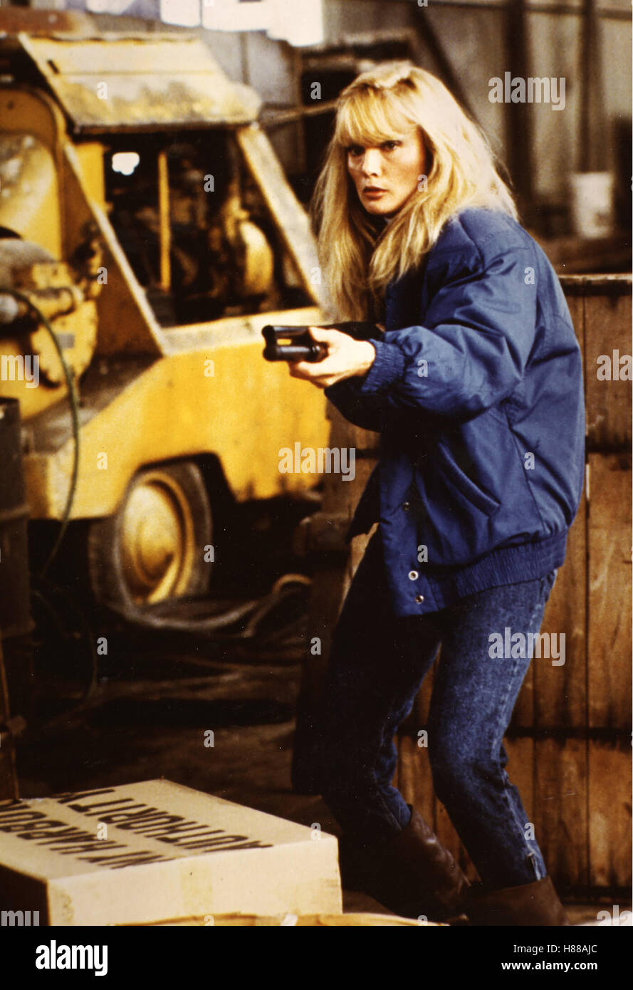 Maniac Cop, (MANIAC COP) USA 1987, Regie: William Lustig, LAURENE LANDON Stichwort: Gewehr - Stock Image