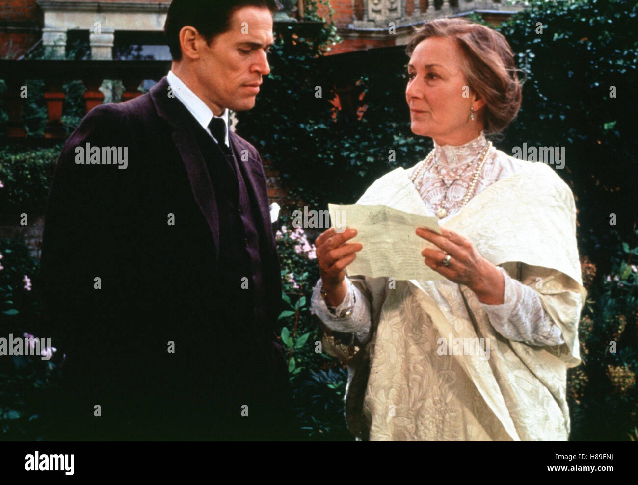 Tom & Viv, (TOM & VIV) USA 1994, Regie: Brian Gilbert, WILLEM DAFOE, ROSEMARY HARRIS, Stichwort: Zettel, - Stock Image