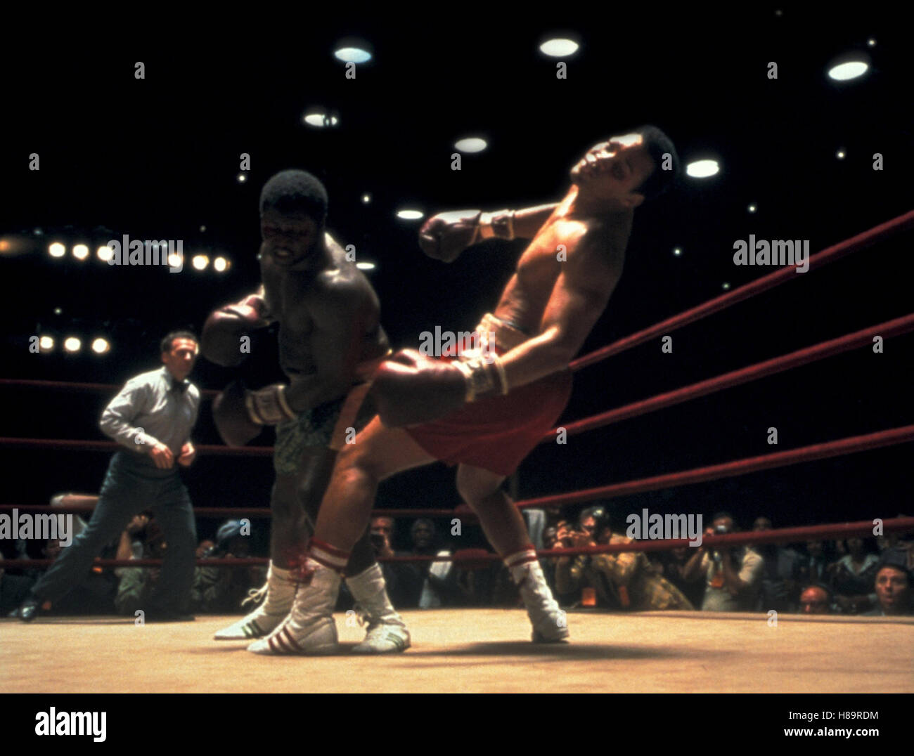 Ali, (ALI) USA 2001, Regie: Michael Mann, JAMES TONEY, WILL SMITH, (Joe Frazier / Muhammad Ali) Stichwort: Boxring, - Stock Image