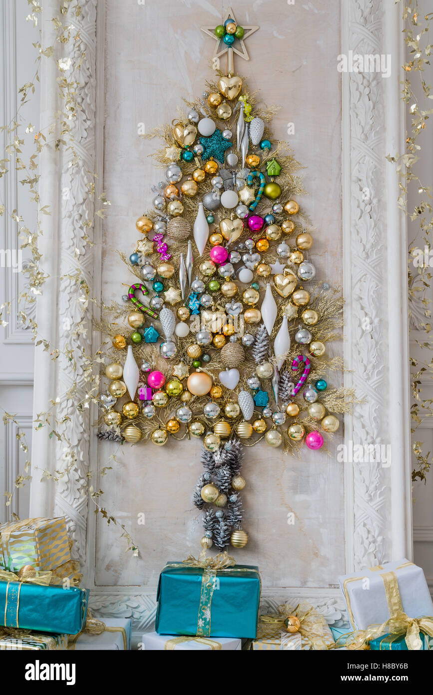 Beautiful Interior Living Room Decorated For Christmas Big Mirror Frame With A Tree Made Of