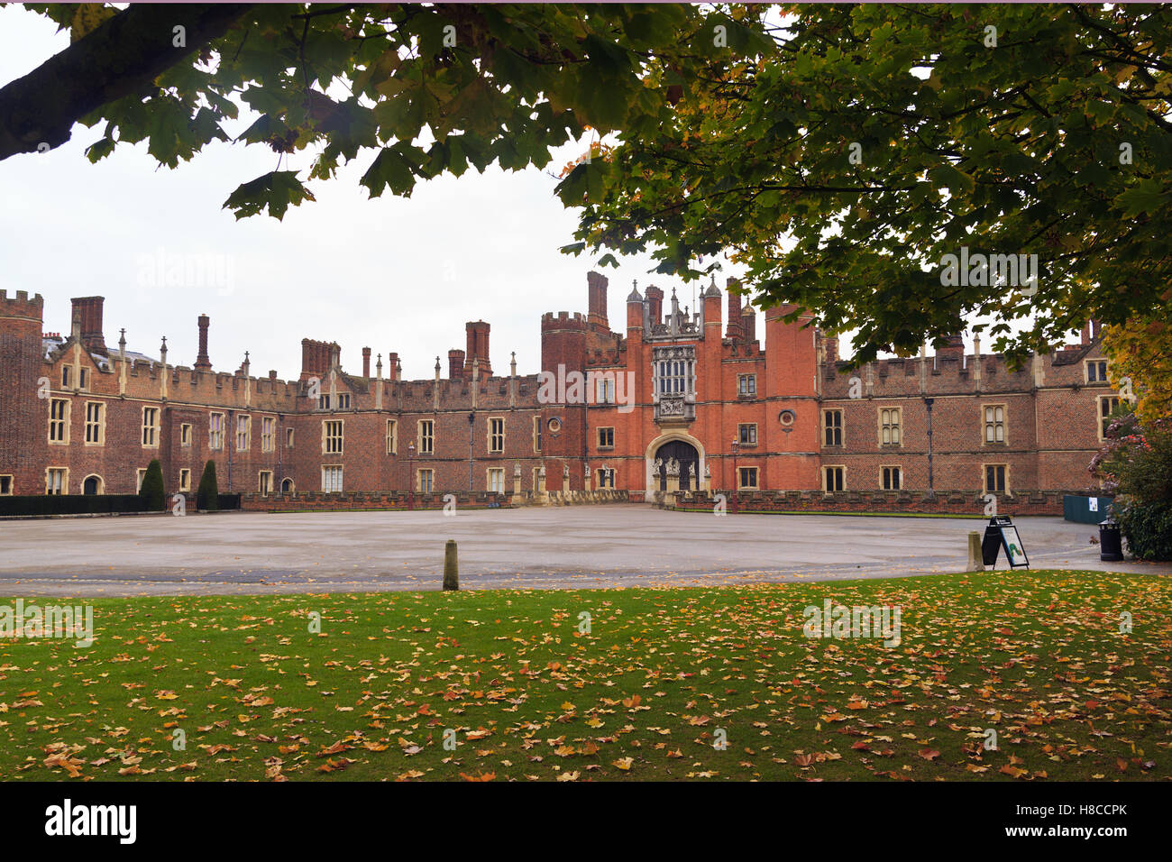 Hampton Court Palace Frontage - Stock Image