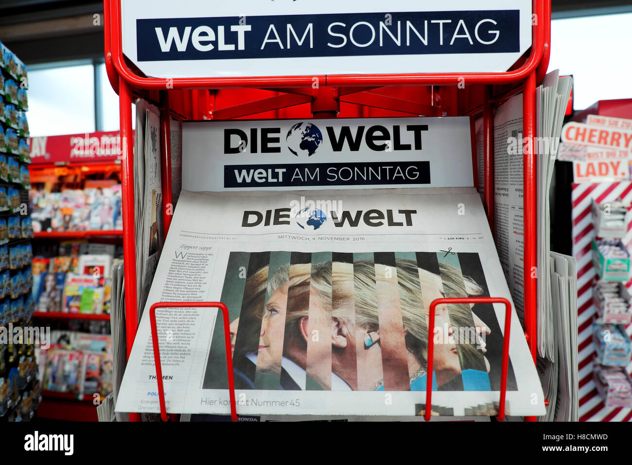 Die Welt German newspaper front cover Clinton Trump at newsagents  on American US election Wahl Berlin Nov 2016 - Stock Image