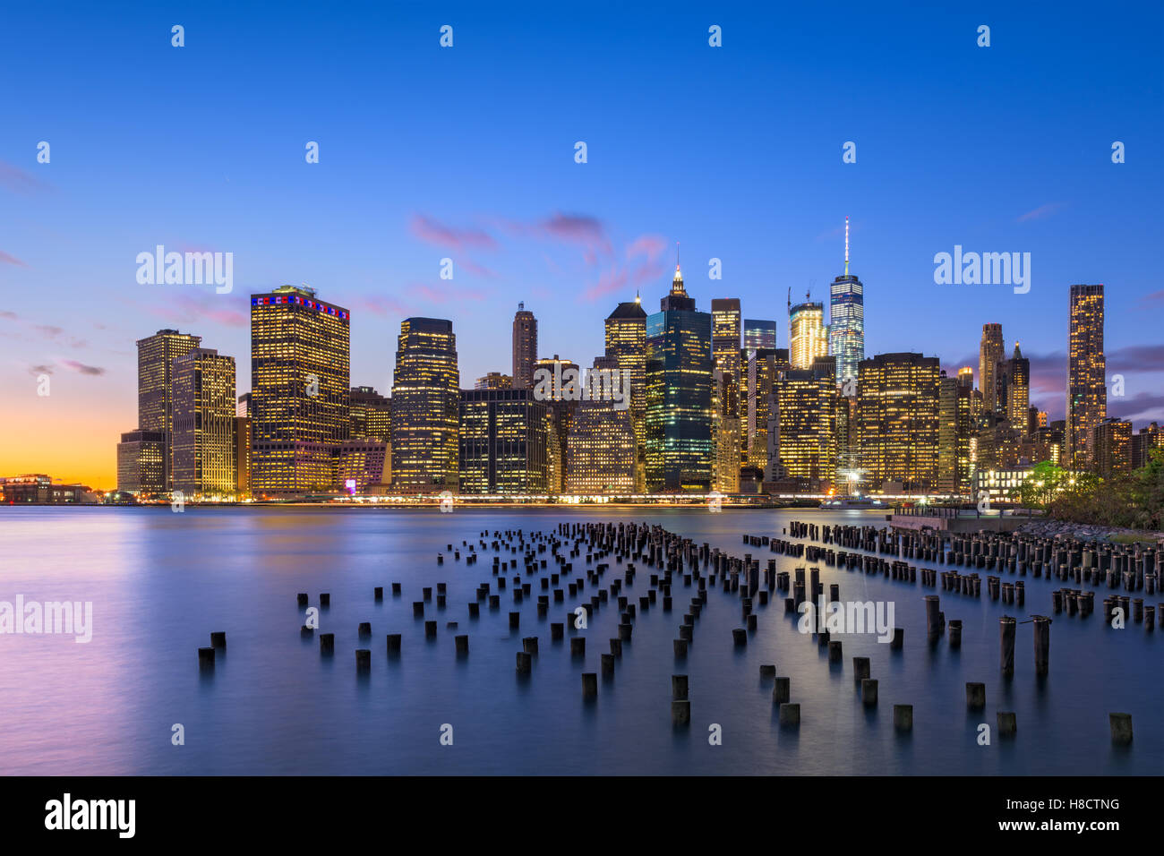 New York City skyline on the East River. - Stock Image