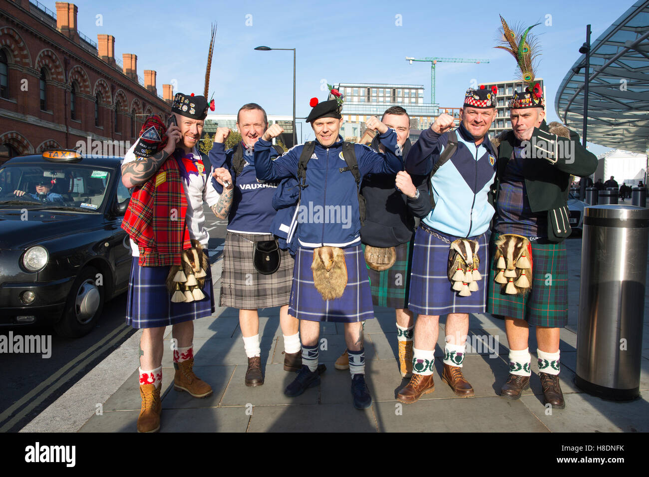 London, UK. 11th Nov, 2016. Scottish Football fans arrive for tonights game in London. Friday 11.11.2016 Large numbers Stock Photo