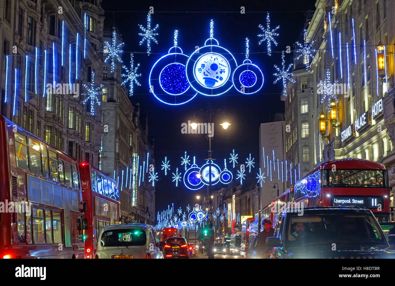 London, UK. 11th Nov, 2016. The Strand in Central London in festive mood on Armistice Day in the evening rush hour. Stock Photo