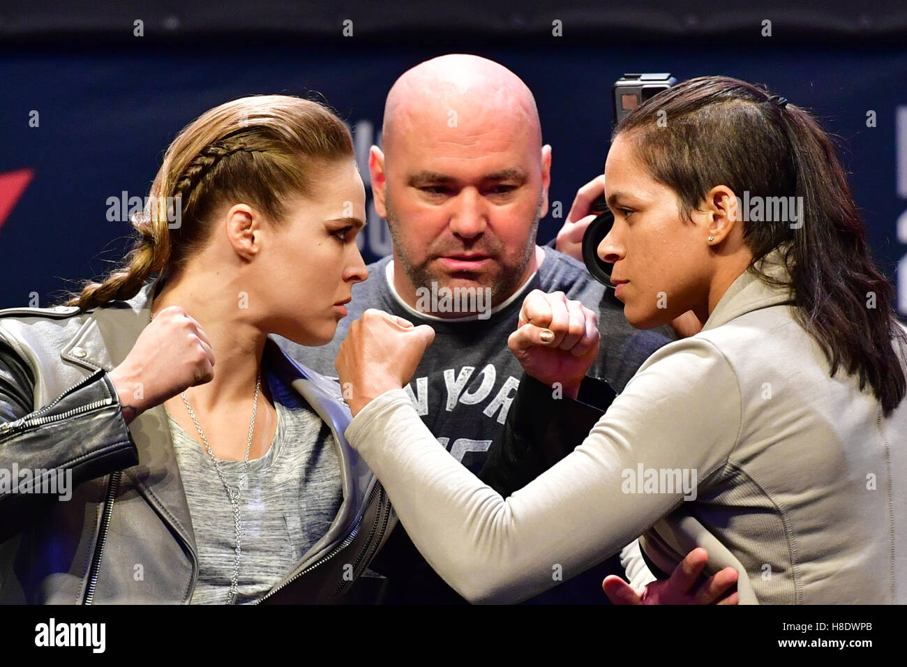 New York, NY, USA. 11, NOV, 2016. Ronda Rousey and Amanda Nunes during UFC 205 in Madison Square Garden. Credit: - Stock Image