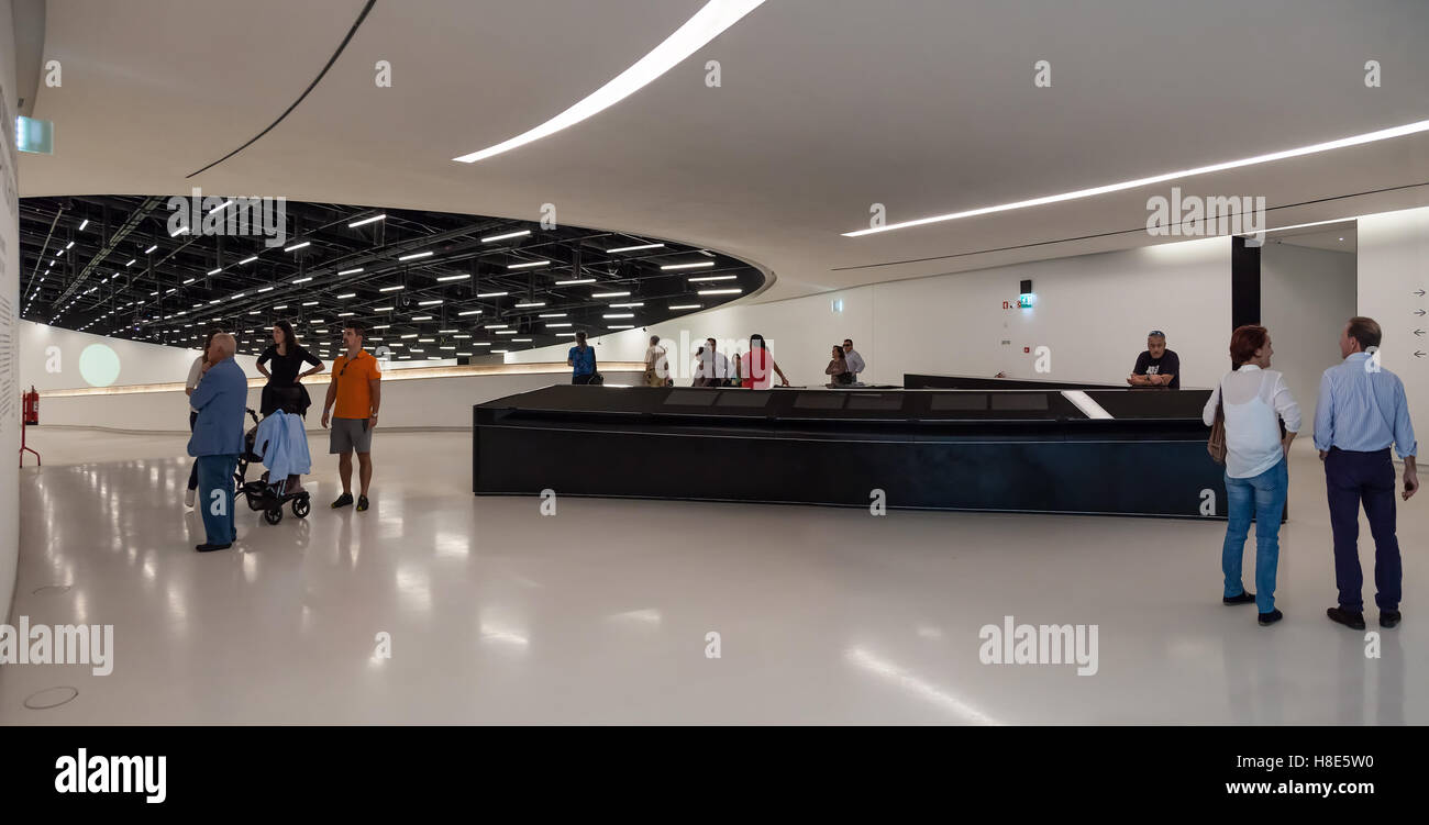 MAAT - Museum of Art, Architecture and Technology. Entrance Hall. Designed by the British architect Amanda Levete. - Stock Image