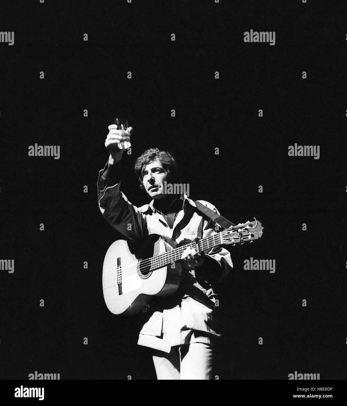 Concert Leonard Cohen, Paris, 1970 -  1970  -  France / Ile-de-France (region) / Paris  -  Concert Leonard Cohen, - Stock Image