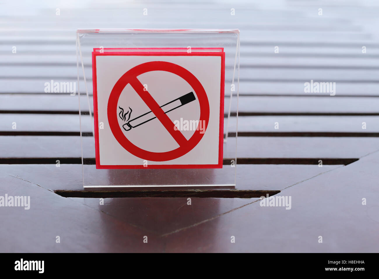 Signs Of No Smoking On The Table In Restaurant Stock Photo - Restaurant table signs