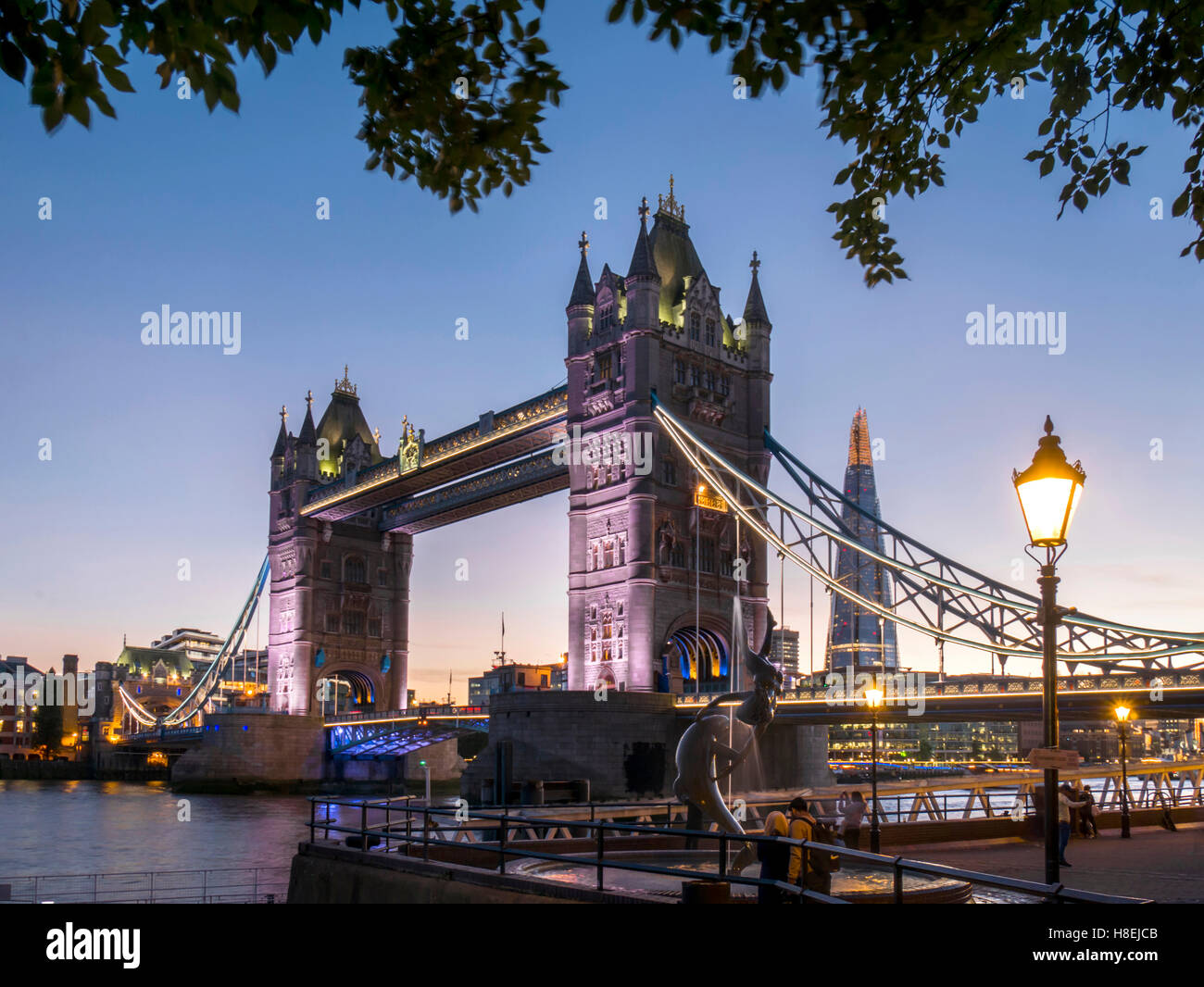 Tower Bridge and Shard at dusk, London, England, United Kingdom, Europe - Stock Image