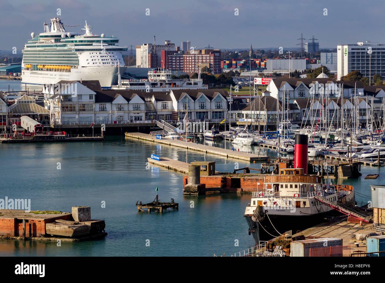 Veteran tug boat Calshot moored in Southampton, u.k. - Stock Image